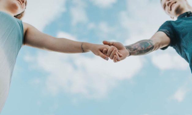Sådan påvirker dit sprog muligheden for at finde en partner